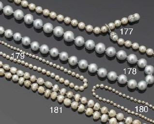 A GRADUATED PEARL NECKLACE,
