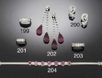 A DIAMOND AND PINK SAPPHIRE BR
