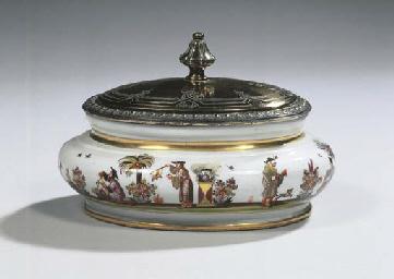A Meissen porcelain chinoiseri