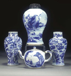 A QUANTITY OF BLUE AND WHITE P