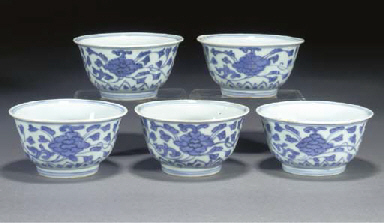 FIVE CHINESE BLUE AND WHITE TE