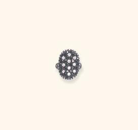 A DIAMOND AND BLACK SAPPHIRE R