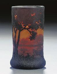 A CAMEO LANDSCAPE GLASS VASE