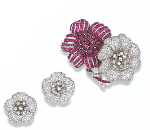 A SET OF DIAMOND AND RUBY FLOW