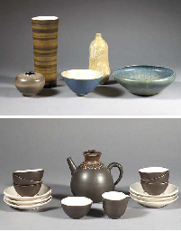 A quantity of stoneware object