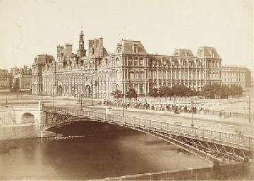 Hotel de Ville et pont d'Arcol