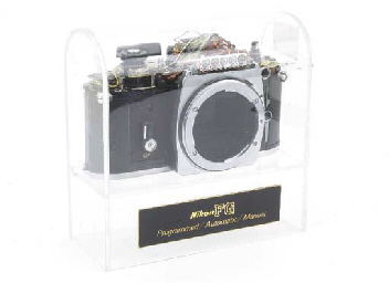 Nikon FG display camera