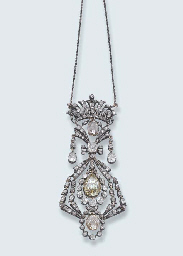 AN ANTIQUE DIAMOND PENDENT NEC