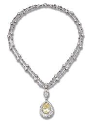A BELLE EPOQUE DIAMOND PENDENT