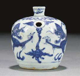 A blue and white tea jar, Ming