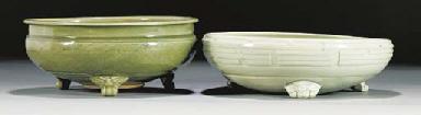 A Ming olive glazed tripod cen