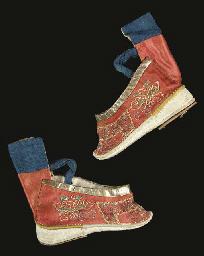 A pair of lotus bud slippers,