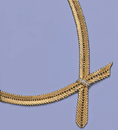 A DIAMOND-SET NECKLACE, BY VAN