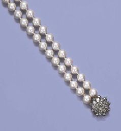 A CULTURED PEARL TWO-ROW NECKL