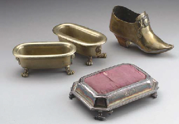 A GROUP OF BRASS, COPPER AND S