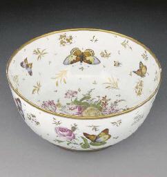 A Paris porcelain bowl