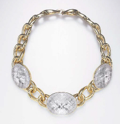 A ROCK CRYSTAL AND GOLD NECKLA