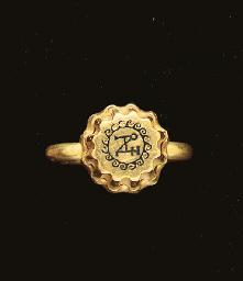 A BYZANTINE GOLD AND NIELLO EL