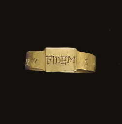 A LATE ROMAN GOLD FINGER RING