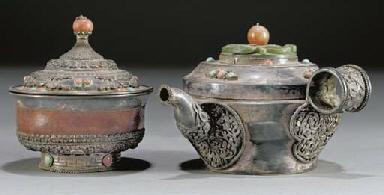 A Mongolian white metal pourin