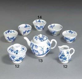 A Worcester blue and white min