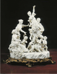 GROUPE EN FAIENCE BLANCHE EMAI
