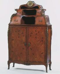 A French ormolu-mounted kingwo