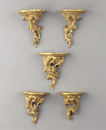 (5) A lot of two pairs of gilt