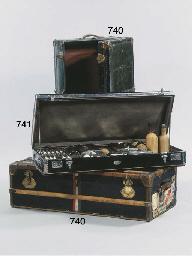 (2) A Viennese trunk