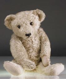 'Oscar', a large British teddy