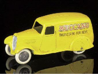 A pre-war Dinky 2nd type 28n y