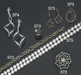 Gruppo di gioielli in perle co