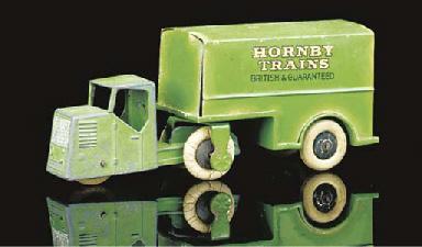 A pre-war Dinky green 33d Mech