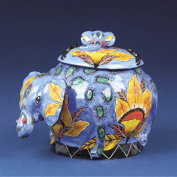 An elephant tureen and cover