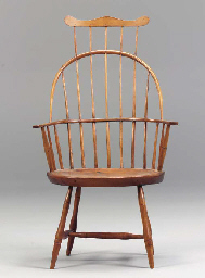 A WINDSOR COMB BACK ARM CHAIR