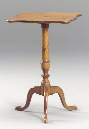 A FEDERAL MAPLE CANDLESTAND