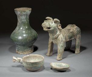 A Han green glazed pottery mod