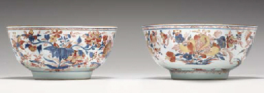 TWO VERY SIMILAR CHINESE IMARI