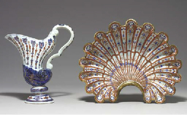 A SHELL BASIN AND A SHELL EWER