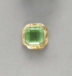 AN EMERALD, DIAMOND AND 18K GO