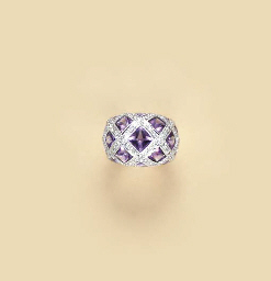 AN AMETHYST DIAMOND AND 18K WH