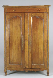 A FRENCH PROVINCIAL INLAID CHE