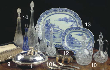 (3) A set of three Chinese blu