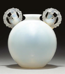 'RONSARD', AN OPALESCENT GLASS
