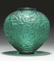 'GUI', A GREEN GLASS VASE