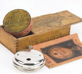 Photoret watch-form camera