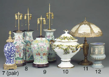 An English Doulton blue and wh