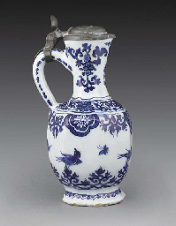 A Delft blue and white faceted
