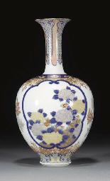 A Japanese Fukugawa bottle vas