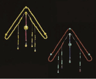 TWO COURT NECKLACES, CHAOZHU